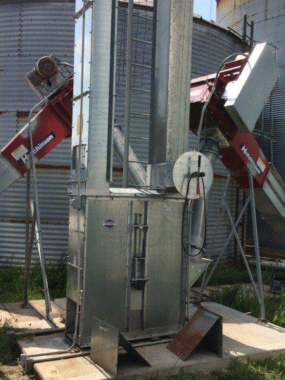 Knobloch - Sebolts - Image #1 - Grain Hamdling - Sukup - Hutchinson
